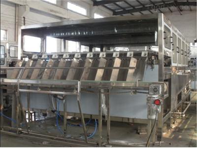 QGF三合一全自动桶装水灌装生产线