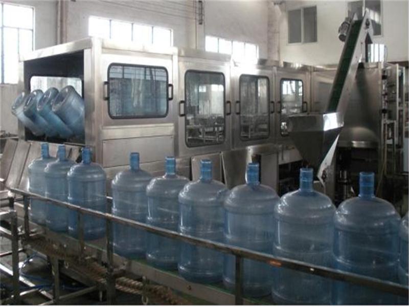 qgf-三合一纯净水桶装生产线