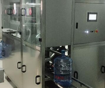 桶装水罐装机
